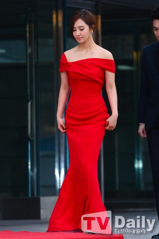 yuri gown 1