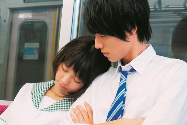 Kết quả hình ảnh cho 電車で綺麗な女性を寝る