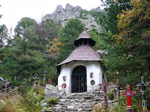 Photo: Symbolický cintorín, symbolisch kerkhof voor slachtoffers van de Tatra