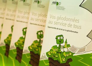"""Photo: Brochure ASIT VD """"Opportunités de la Loi sur la Géoinformation"""""""