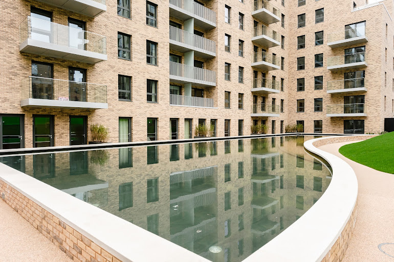 Pool side at Wembley apartment