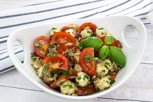 Caprese Salad With Quinoa and Brown Rice