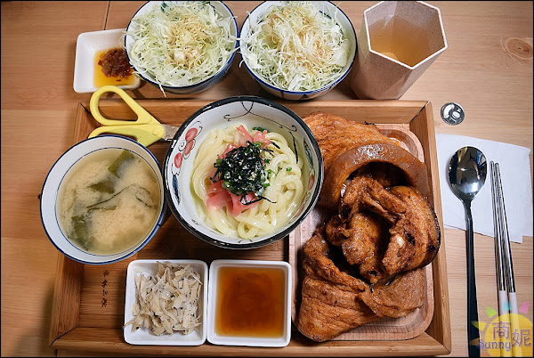 台中浮誇系丼飯。爆量肉盤滿成小山 附餐吃到飽免服務費再送日式刨冰很超值