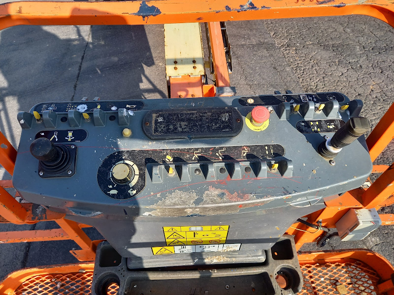 Picture of a JLG 600S