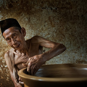 potter by Yaman Ibrahim - People Portraits of Men ( senior citizen )