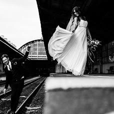 Wedding photographer Denis Koshel (JumpsFish). Photo of 20.10.2018