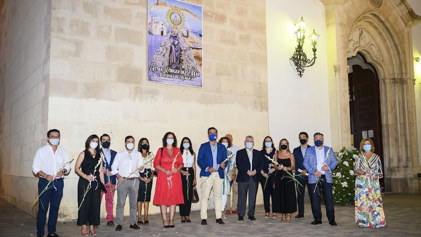 El Ayuntamiento de Almería ha realizado la ofrenda floral
