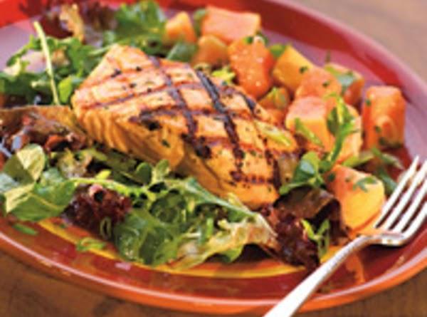 Grilled Salmon & Papaya Salad Recipe