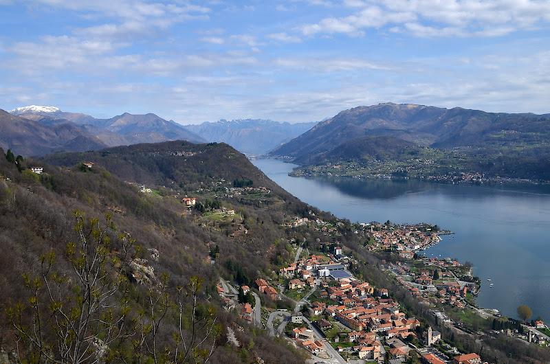 Il lago laggiù... di Wilmanna