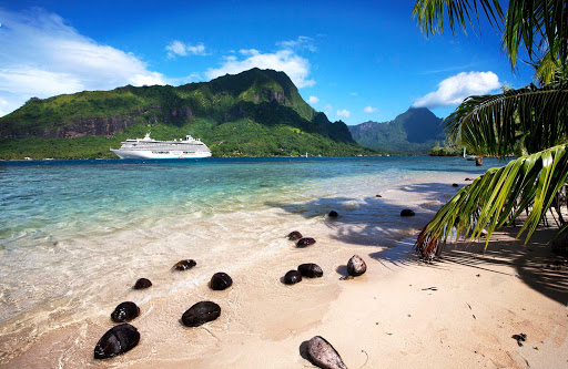 crystal-serenity-in-moorea.jpg - The luxury cruise ship Crystal Serenity in Moorea, French Polynesia.