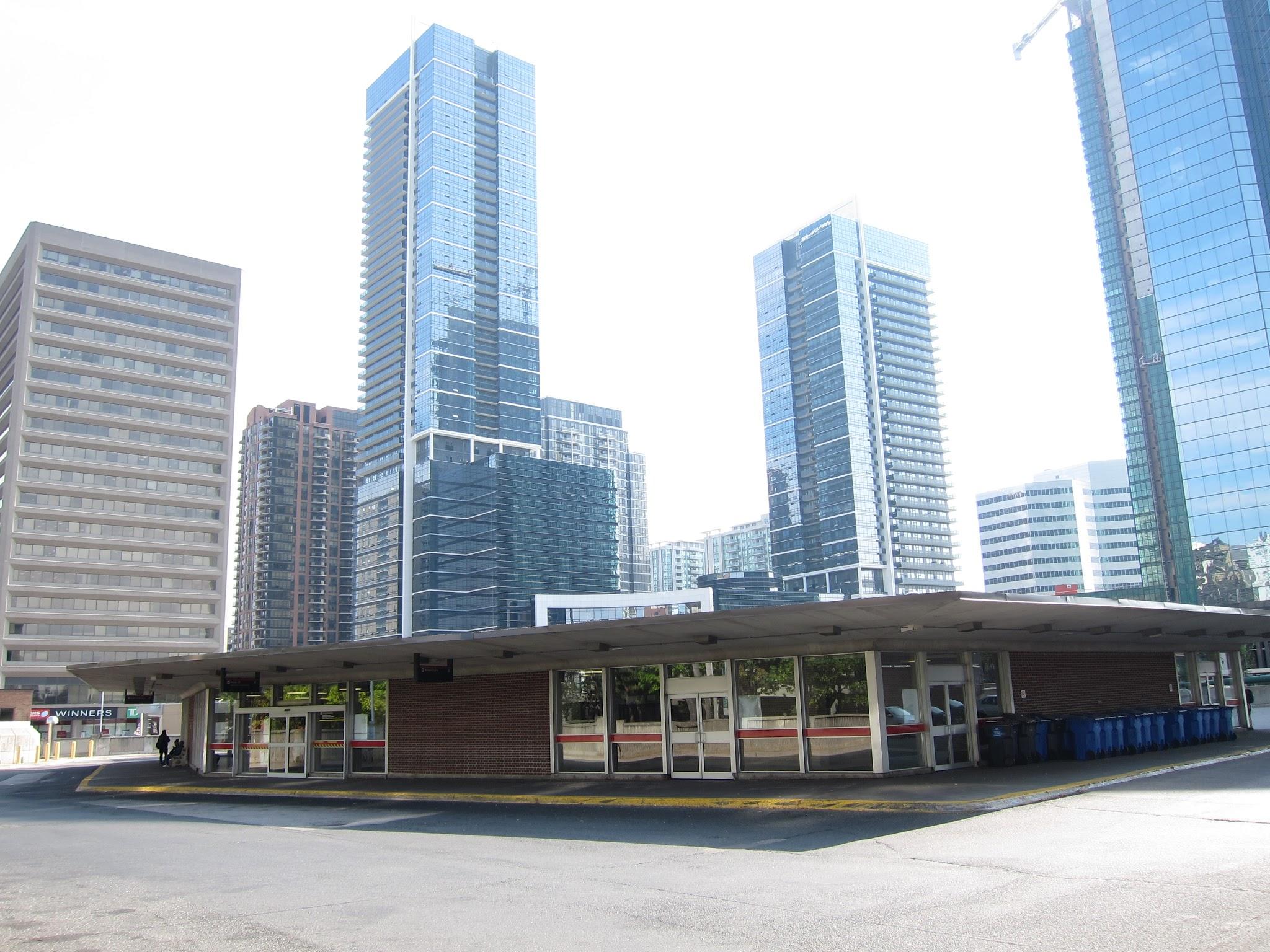 Photo: Sheppard bus platform, north view.