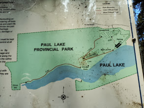 Photo: So we are at the point of the V now. It's 2 km down the other side. The map is not true to the trail though. It's about 1 km switchback down to lake level and then 1 km along the lake out to the road.