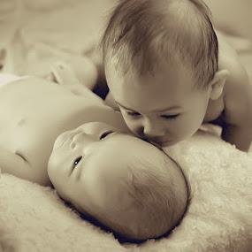Syaqira n Aqilla by Eka Tooleh - Babies & Children Children Candids