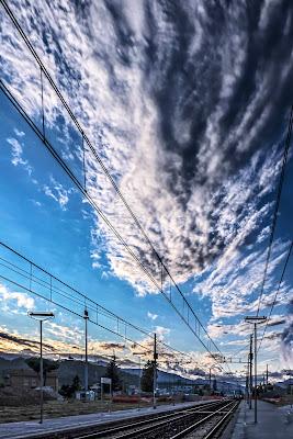 Nuvoloni....in arrivo sul 1° binario di alfonso gagliardi