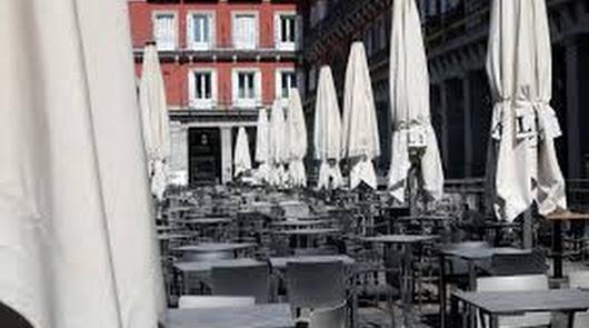 """Los hosteleros andaluces, """"señalados"""" otra vez por las nuevas restricciones"""