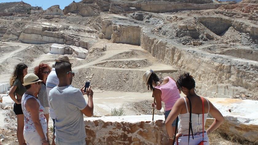 La cultura del marmol atrae visitantes a Macael.