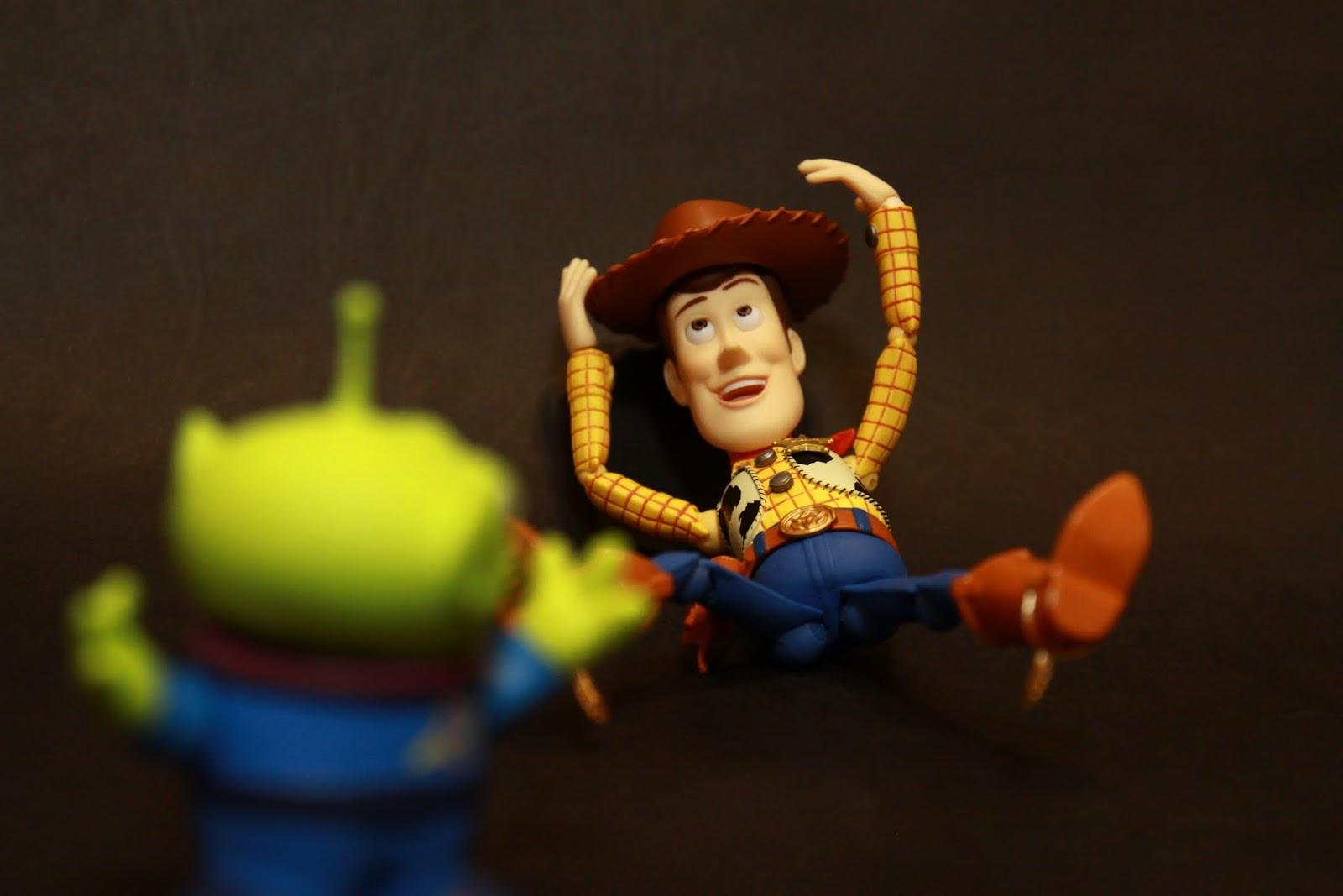 胡迪:呼呼~這帽子可是我的命啊~~~ 三眼外星人:!!!