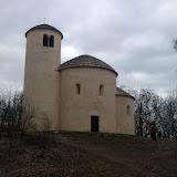 Na vrcholu - rotunda sv. Jiří z roku 1126