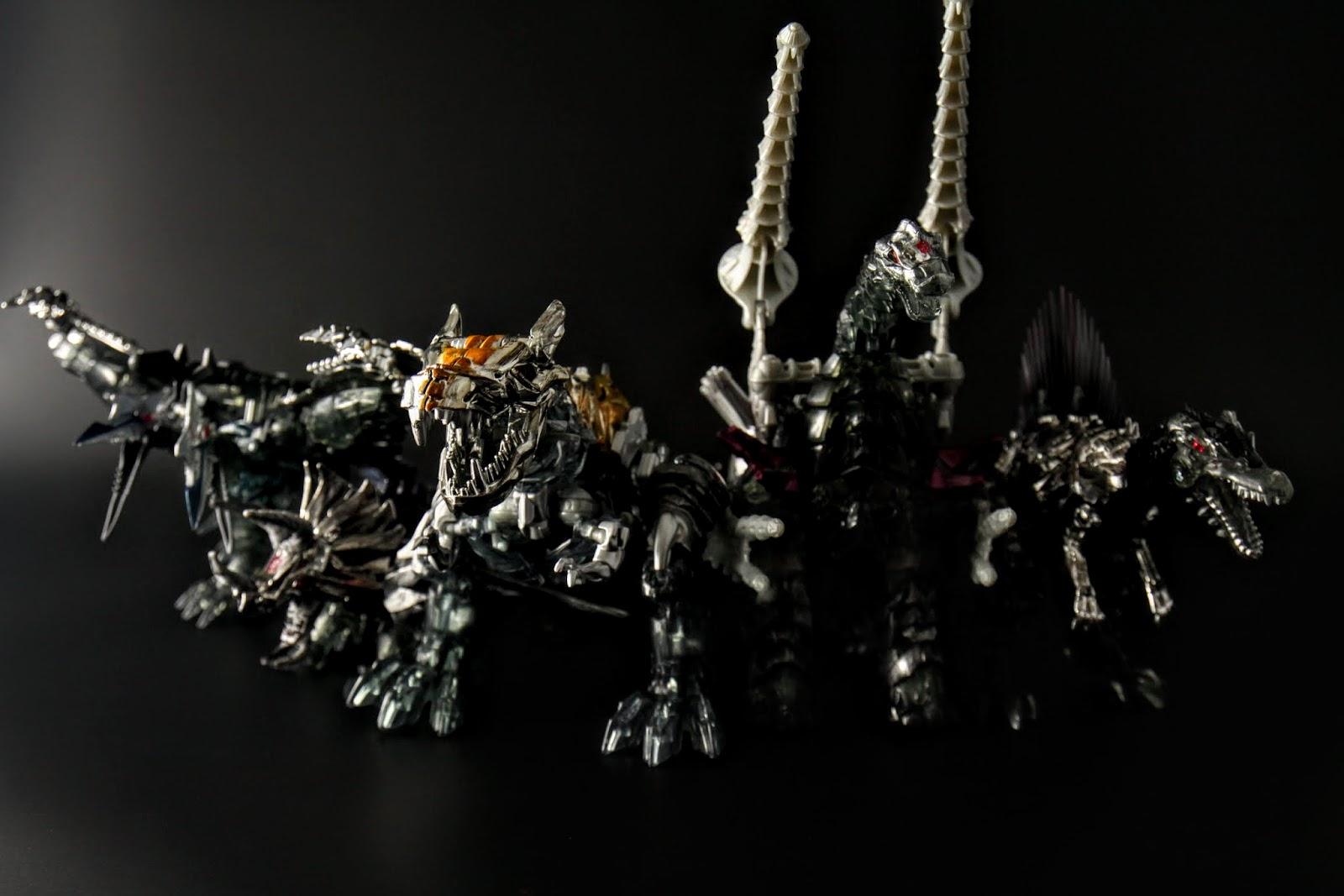 龍形人形都變得更加霸氣,活像五個遠古時期的狂戰士殺紅眼這樣