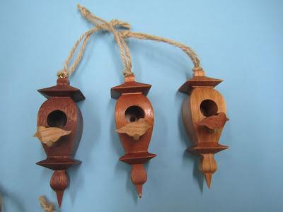 Miniature Birdhouses Diana Thompson CWV May2011