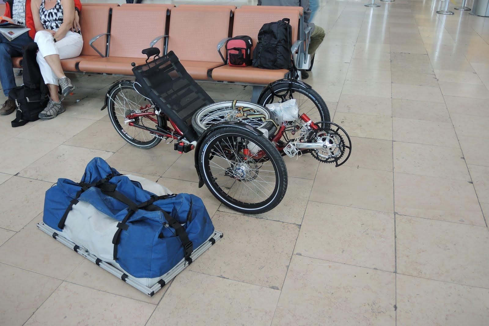 Trike prêt à être embarqué dans l'avion