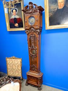 Красивые напольные часы ок.1850 г. Деревянный резной корпус.