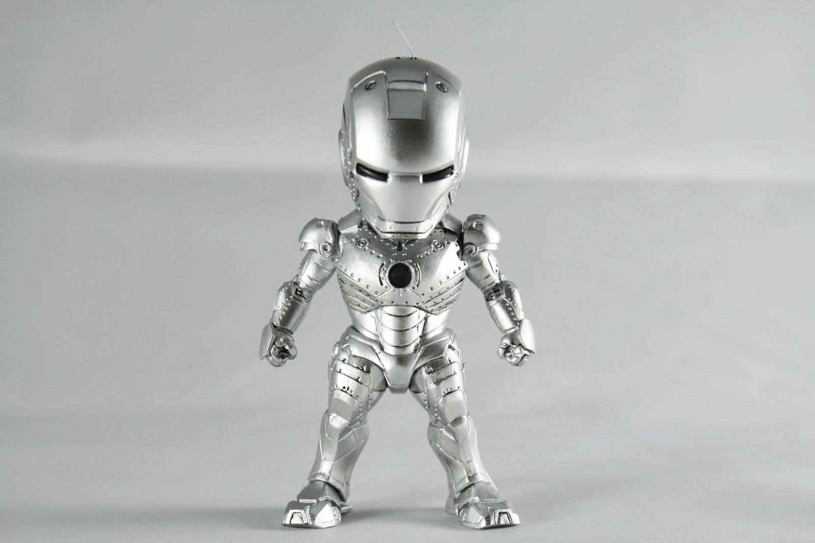 mk II正面 電影東尼回到美國後製作的試作裝甲 因為是試作所以外觀沒有塗裝