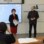 Pogány Erzsébet Hanesz Angelika elnök távollétében aMentor TT – Felvidéki Tehetségsegítő Tanácsot mutatta be