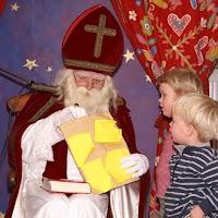 Sinter Klaas in de speeltuin 28-11-2009 - PICT6840
