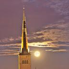 Full moon Oleviste kirik
