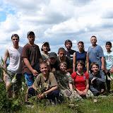 Skupinová fotka účastníků táborového puťáku - na stejném místě jako vloni :-)