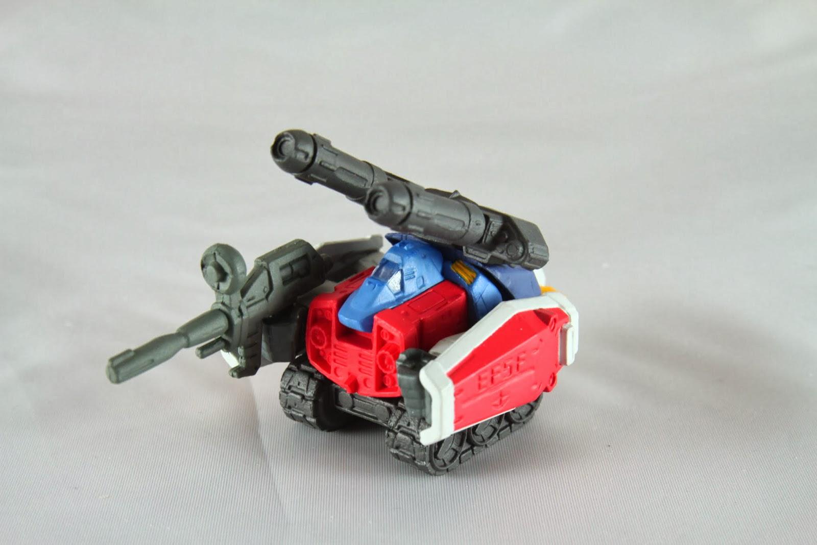 小時候我老爹有買鋼彈的合金玩具給我 裡面就有G戰機可以合成G野牛
