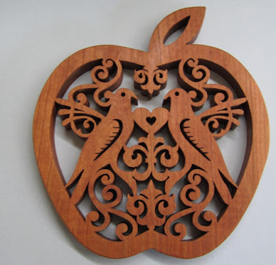 Apple Trivet pattern by Sylvia CHERRY