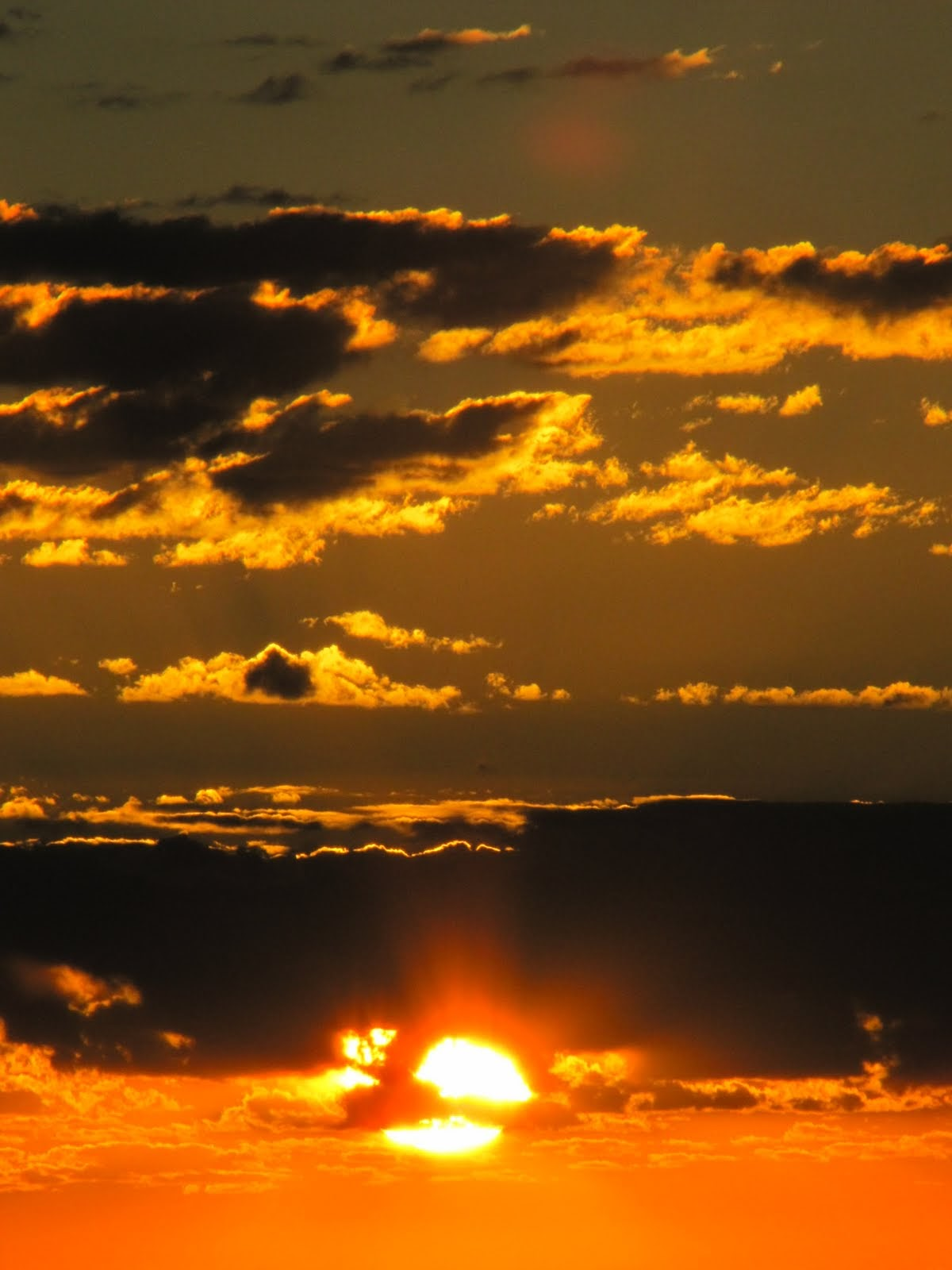 The Sun reaches the first clouds