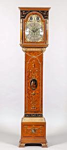 Шикарные напольные часы  18-й век.
