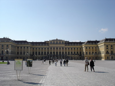 Out the front of the Schönbrunn Palace