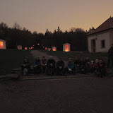 4:35 - v Barokním areálu Skalka se dostáváme k poslední obálce s pokyny
