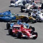 Giancarlo Fishichella, Renault R26 hit by Nick Heidfeld, BMW Sauber F1.06