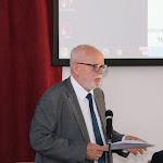 Bencze Lóránt, a MANYSI igazgatója üdvözli a konferencia résztvevőit
