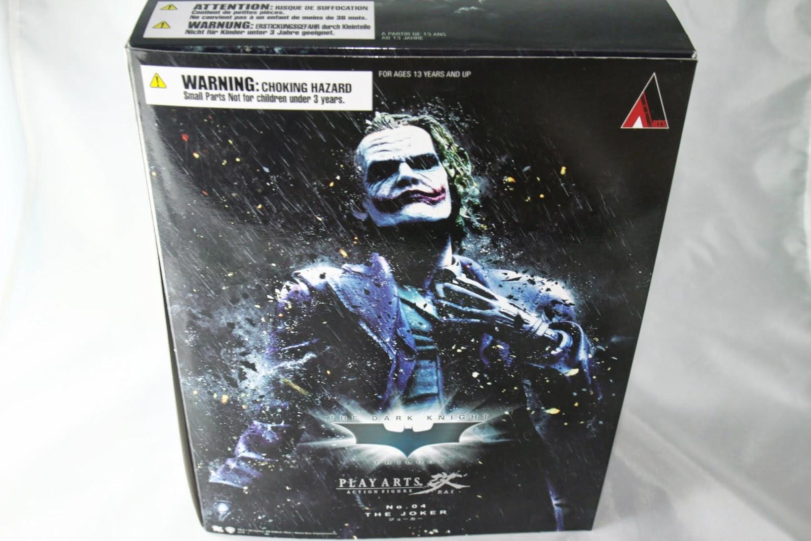 雖然Joker是第二集TDK的角色 但同系列所以封面也是第三集的大家來淋雨風格