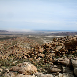 Looking back towards Mortero Wash. The trail head is just out of view to the right.