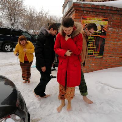 Выход босиком на снег. Мария Безднежных.
