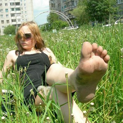 На нашем сайте проводится розыгрыш бесплатного ПРЕМУИМ-ДОСТУПА! Напишите в комментариях, насколько вам нравятся эти босые ноги – и вы можете получить не только премиум-доступ, но и возможность скачивать фотографии из некоторых галерей!