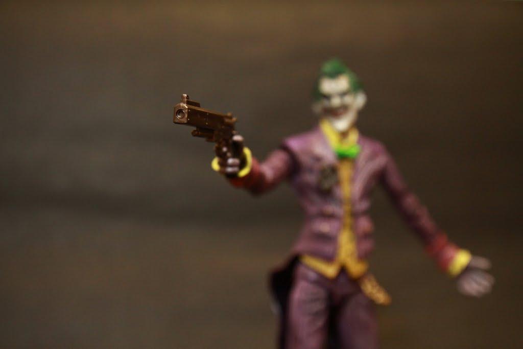 畢竟小丑就是要瘋瘋癲癲反覆無常