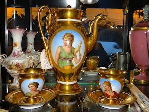 Антикварный кофейный сервиз. Европа 19-й век. Кофейник 27 см. 1500 евро.