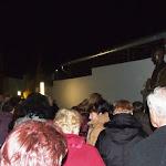 Az Esterházy szobor az emlékezők gyűrűjében