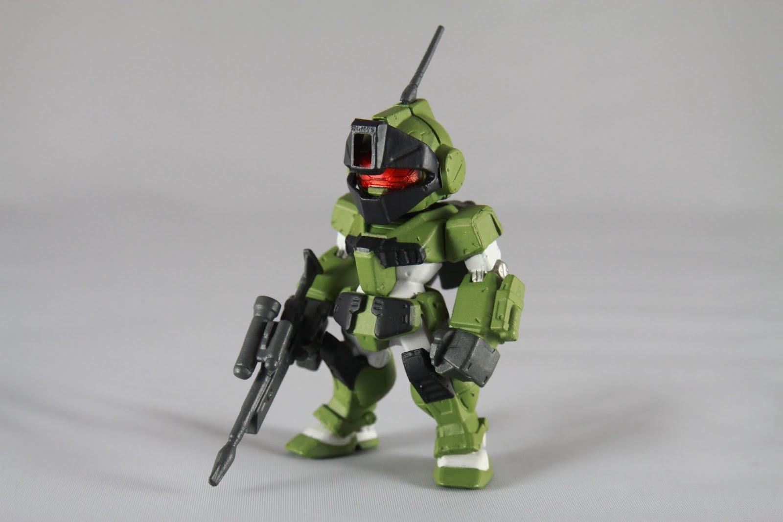 跟一般型的GM長得不太一樣 據設定上是各部裝甲都有顯著提升