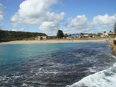 The beach at Port Campbell from the wharf