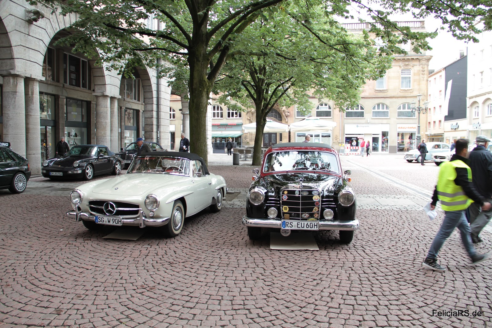 Startnummer 8 Mercedes 190SL 1960 Startnummer 9 Mercedes Benz 180b 1960
