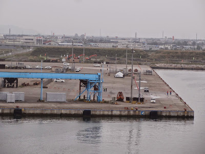 Approaching the Kushiro dock